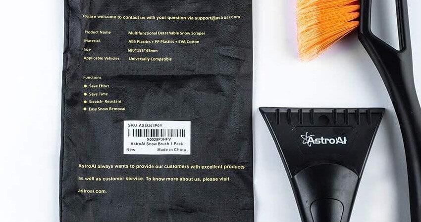 AstroAI 2in1 Auto Reinigungsbürste Eiskratzer Schneebesen Abnehmbarer Eisschaber Blatt-und Blütenstaubsbürste mit Ergonomischem Schaumstoffgriff für PKW, LKW und SUV, Gelb (ABS, PVC Bürste, 68CM)