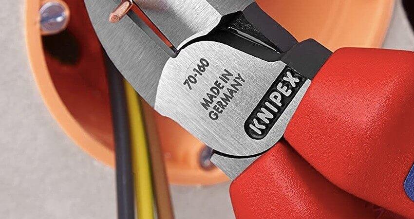 KNIPEX 70 02 160 Seitenschneider schwarz atramentiert mit Mehrkomponenten-Hüllen 160 mm